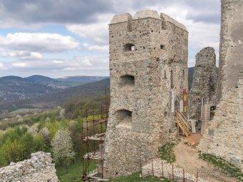 2017-04-09 hrad Hrušov