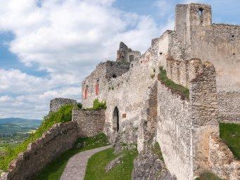2017-05-10 hrad Beckov